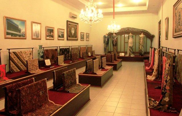 Wisata Solo - Museum Danar Hadi Batik Solo