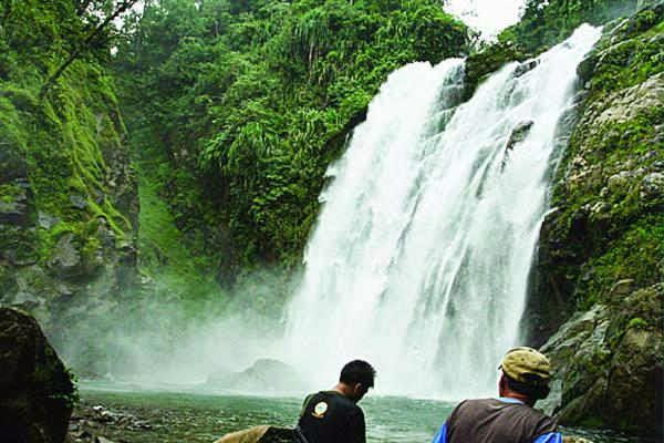 Air Terjun di Taman Nasional Kerinci Seblat