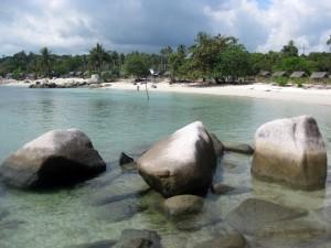 Keindahan Wisata Pantai Trikora Di Bitan yang Menakjubkan