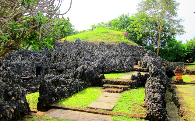 Tempat Wisata Cirebon - Taman Sari Gua Sunyaragi