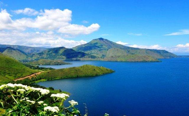 Tempat Wisata Papua - Danau Paniai
