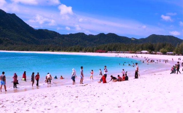 Tempat Wisata Aceh - Pantai Lampuuk