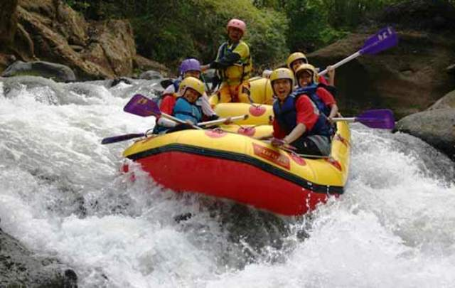 Wisata Garut - Arung Jeram Sungai Cimanuk