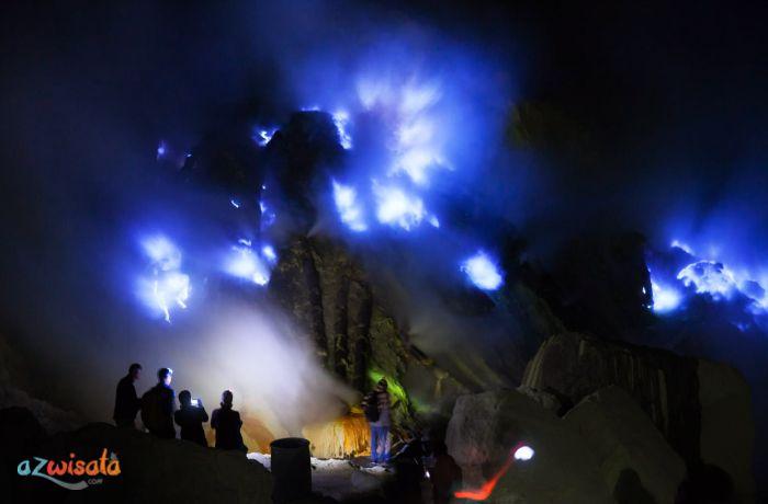 Blue Fire Wisata Kawah Ijen, Gunung Wisata Kaldera di Indonesia